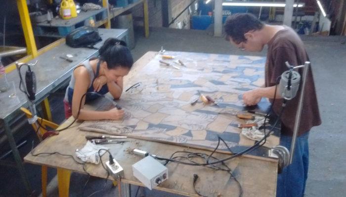 Samira Chachinoy y Jhonier Castañeda - Xilografía en gran formato