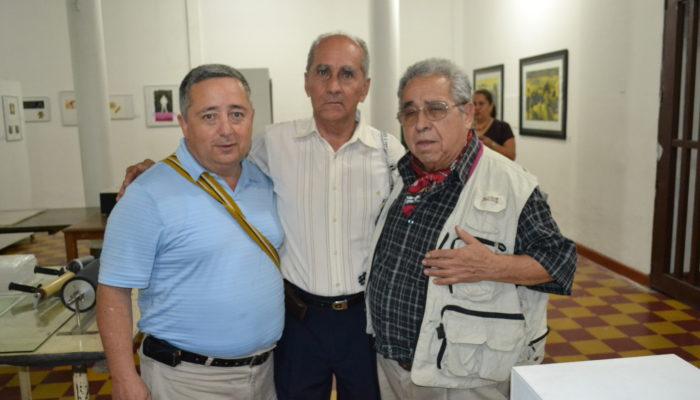 De derecha a izquierda: Pedro Molina, Holbein Jaramillo, Pedro Nel Taguado.  - 3ra convención de grabadores (La Otra Esquina)